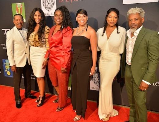 2019 Breaking Barriers Awards Gala, red carpet